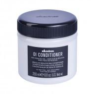 Oi Conditioner - Essential Care Davines